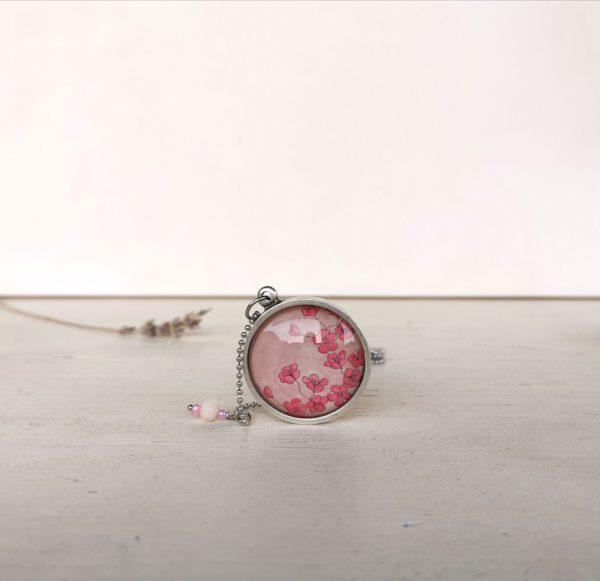 Ciondolo con fiori rosa di ciliegio