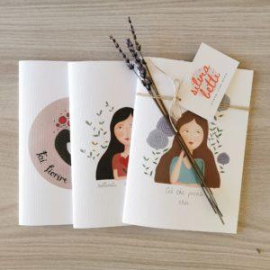 Set di quaderni rilegati a mano con copertina illustrata.